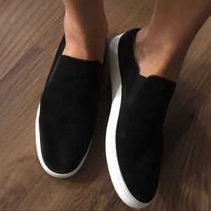 Vince Verrell slip on sneaker black suede fits 9